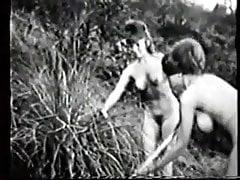 Klipy dla nudystów Mickey Jines