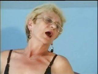 Mature Skinny Fisting video: Glasses in semen, fuck upside down. Grandma Chloe