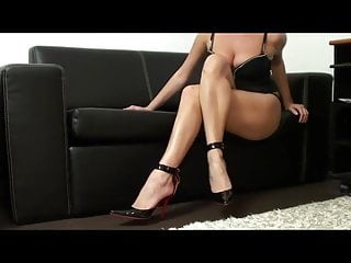 Blondes Femdom video: Legs Worship joi 6