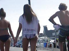 Faszinierender Bikini Teen Ass