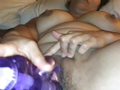 Big Browns Maturbating ao orgasmo real