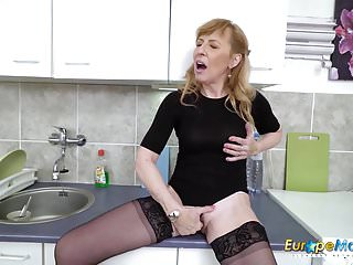 Masturbation Sex Toys Solo video: EuropeMaturE Hot Mature Milf Solo Masturbation