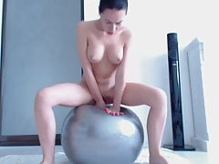 Determined Girl Cums On Her Exercise Ball