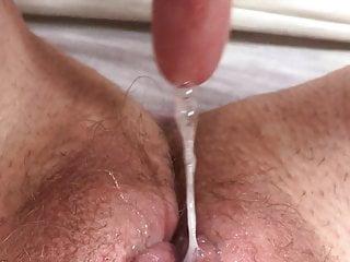 Hairy Fingering Milf video: Sticky fingers