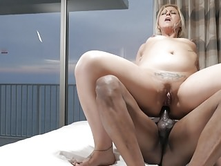 Interracial Squirting Big Cock video: 3 hole vacation