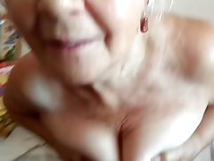 nonna e ciccione di suo marito