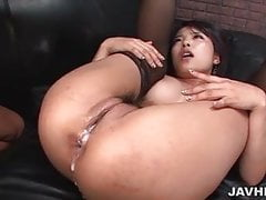 Bombe brune délicieuse en bas chaud