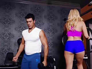 Aaliyah Love Hot Milf At The Gym