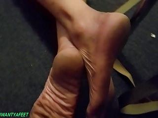 Mature midget shaved pussy