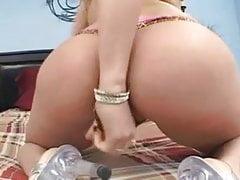 PAWG Ruby bierze kutasa tak seksownego ze wszystkimi swoimi krzywiznami