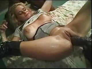 Gangbang Amateur Milf video: Amazing lady with 2 BBC inserting enormous dildos