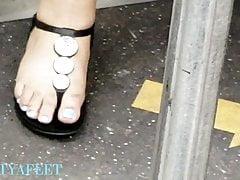 Szczere hebanowe stopy