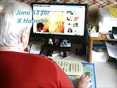 Oma, die X Hamster beobachtet