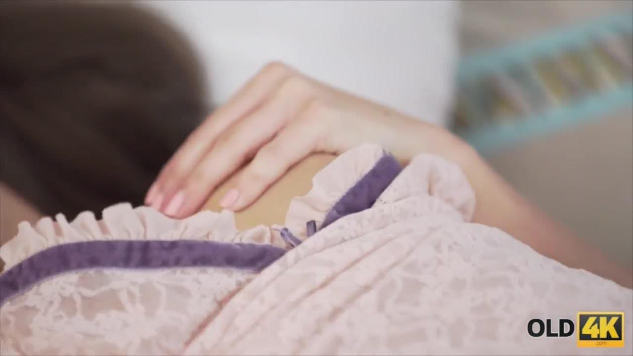 Женская мастурбация частное 3gp видео