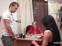Milf francese in lingerie hard banged e facialized
