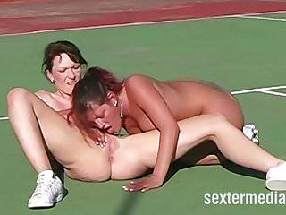 Pornstars Sports Lesben video: Lesben auf dem Tennisplatz