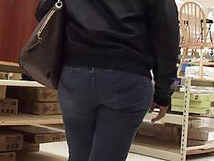GILF Nice Ass und Hüften