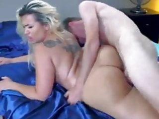 Interracial Cuckold Mom video: Alla porcona  gli piace il cazzo  in culo