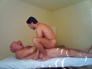 .Hung palm spring daddy fucks younger.