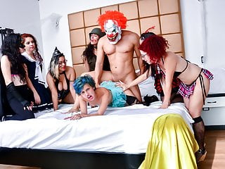 CARNE DEL MERCADO - Halloween party orgy with hot Colombian