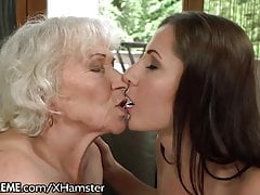 21Sextreme Teen to Muff-Diving Granny's Box