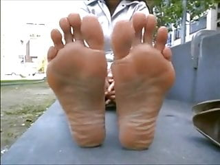 Public Nudity Brazilian Flashing video: BAREFOOT & Foot model 0030