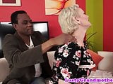 Cockloving gilf sucks a fat black cock
