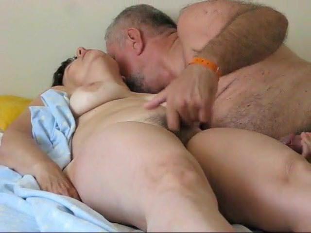 Порно молоденьких девчонок в колготках