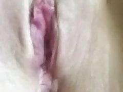 Czeska kobieta bawi się cipką