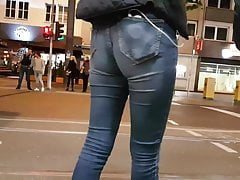 SEXY ASS IN JEANS