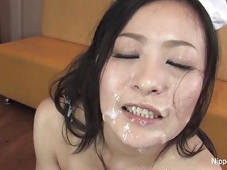 日本的荡妇得到了很多暨
