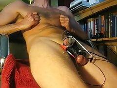 Estim hands free orgasm in slomo | Porn-Update.com
