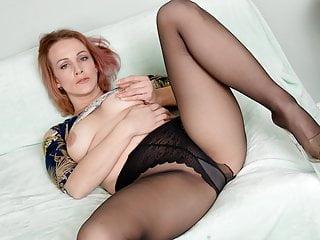 Milfs Milf Pantyhose video: American milf Joclyn stuffs her pussy with nylon pantyhose