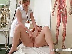 Sexo na clínica com paciente molhado