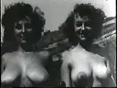 Donna y Bobbie posando