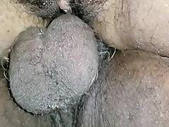 Pomper une grosse noix en elle