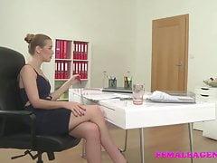 FemaleAgent Sexy Agent fickt den glücklichen Kameramann mit seinem fetten Schwanz
