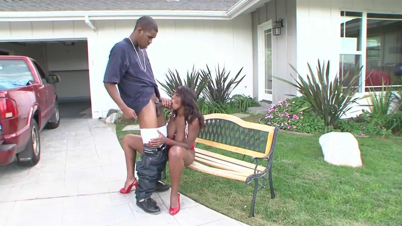 Порно женское доминирование лизать