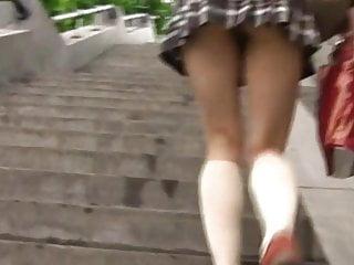 日本青少年無屁股掀裙