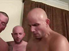 Sehr heiße Orgie im Hotelzimmer - ZeusTV