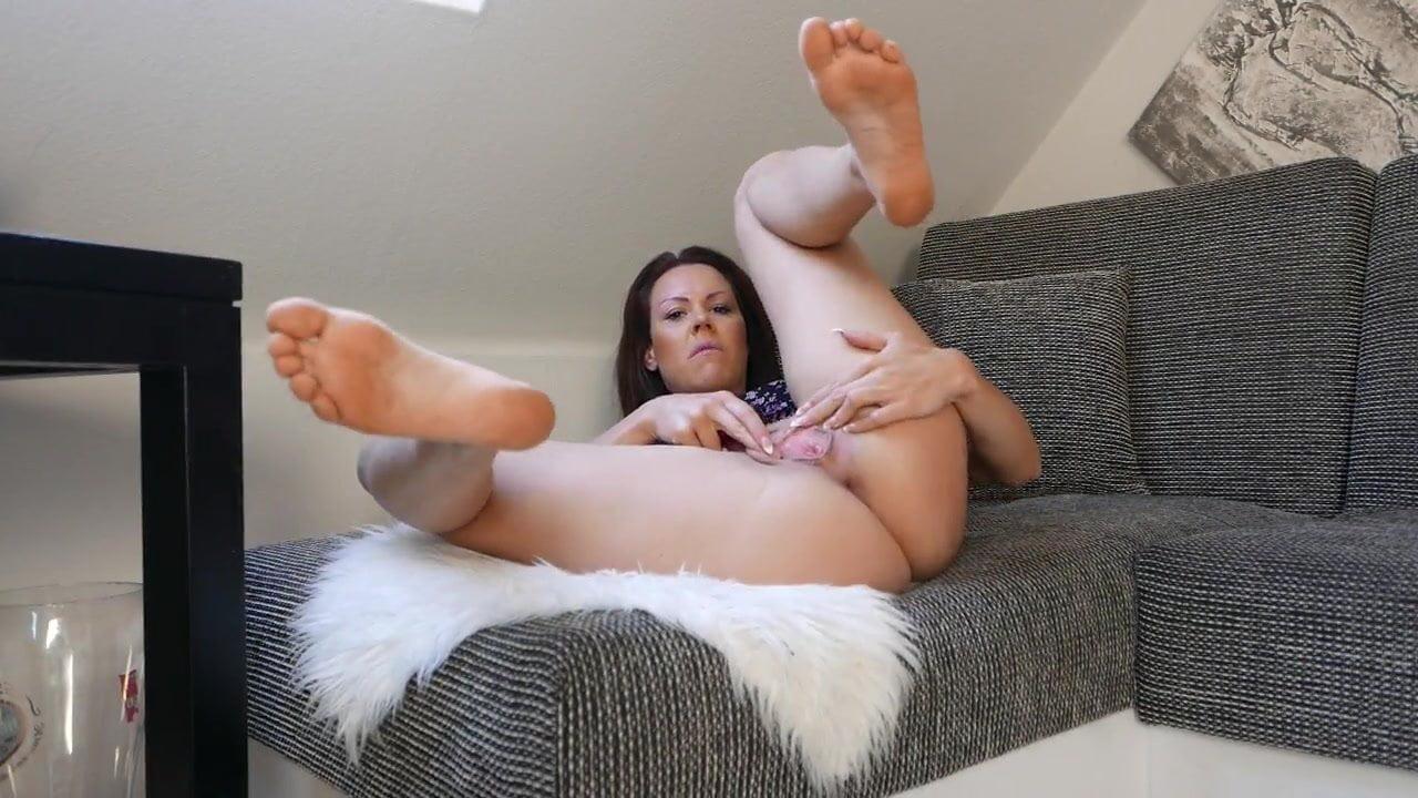 Porno lara bergmann Lara Bergmann