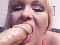 Dojrzała blondynka Tylene Buck z dużymi cyckami i kremową cipką