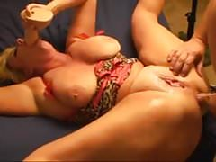 Big Boobs MILF miluje anální a squirts