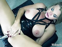 Busty MILF Vicky Vette Drilled In Her Ass Przez Rubberdoll!