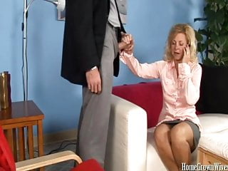 Amateur Hairy Blondes video: Mature blonde cheats with her therapist