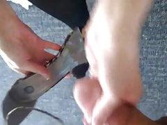 Ejaculation sur des talons hauts