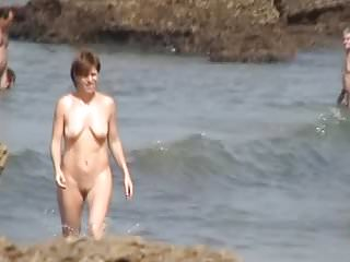 Tits Beach Bouncing video: FKK MILF with bouncing saggy tits