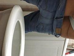 Delphine meine schöne Schwester im Badezimmer 2