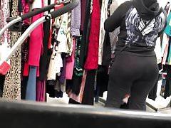 Candid - Big Booty Latina in Leggings