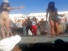 Strip dançando nua no México